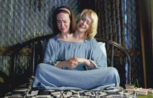 Bette and Dot have a tete-à-tete (Sarah Paulson, AHS: Freak Show, FX)